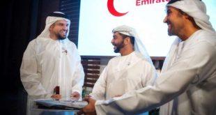"""منح حسين الجسمي لقب """"السفير المفوّض فوق العادة"""" للعمل الإنساني لدى هيئة الهلال الأحمر الإماراتي"""
